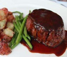 Beef fillet in red wine and balsamic vinegar